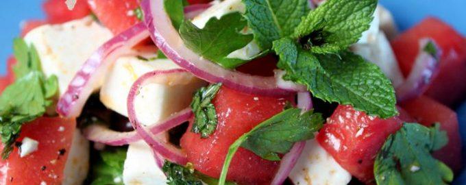 Салат из арбуза с сыром фета от Джейми Оливера